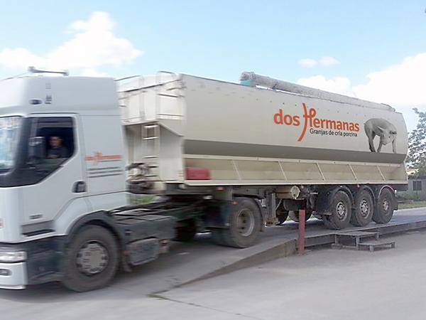 Camión Granja Dos Hermanas